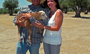 Olivas_Frank_and_marti_with_lamb