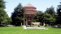 Atascadero_City_Hall__Sunken_Garden_2