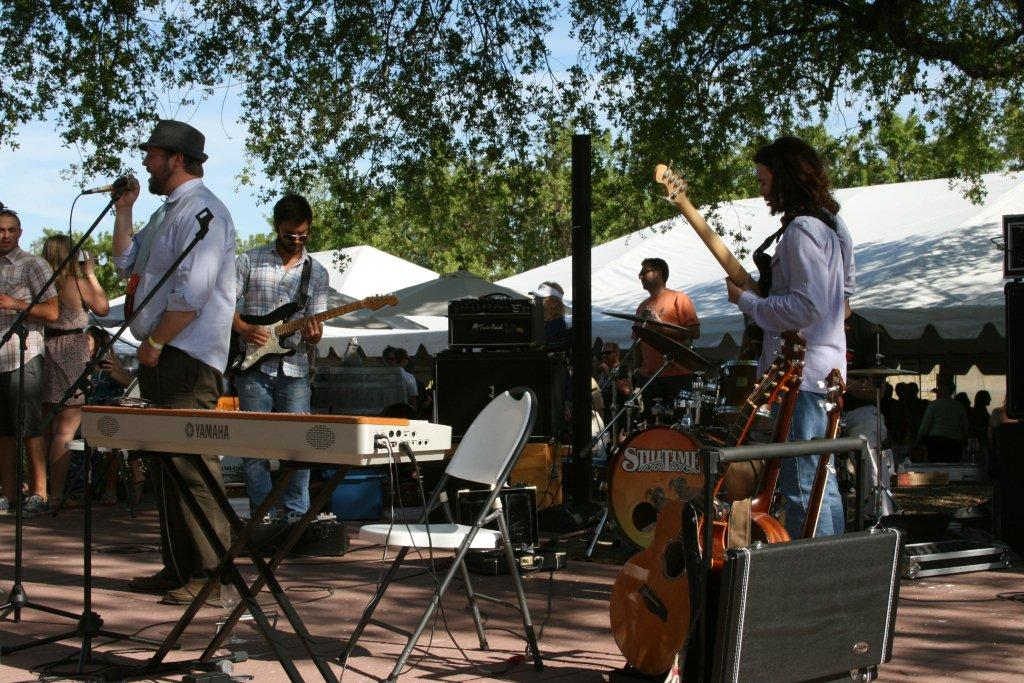 Earth_day_food_wine_festival_live_music_dancing