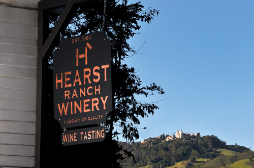Hearst Sign and Castle mod