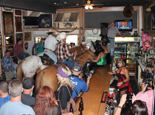 Saddle up to the Pine Street Saloon and enjoy incredible hometown hospitality, daily drink specials and a special sort of country ethos.