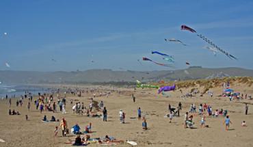 Morro Bay Kite Festival at the beach