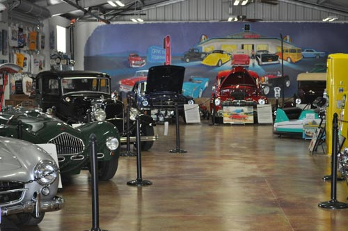 Warbirds Museum of cars