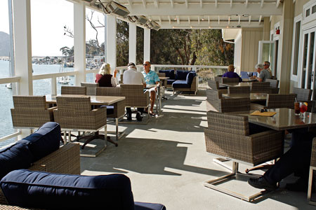 Covered-outside-dining-area-with-heaters-at-Inn-at-Morro-Bay_web