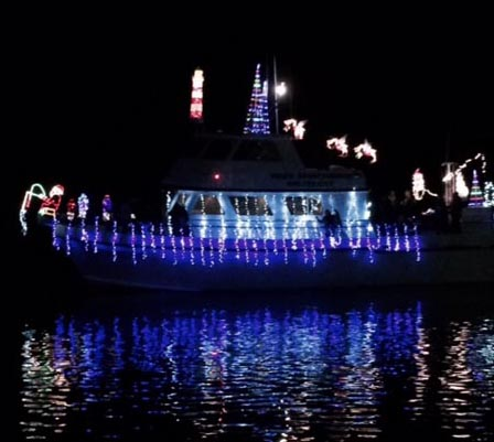 Community Gathers For Morro Bay Lighted Boat Parade San