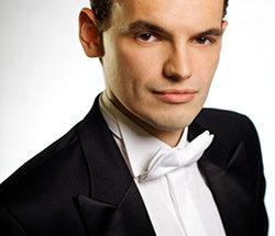 Adam Zukiewicz, performing for 2020 Paderewski Festival